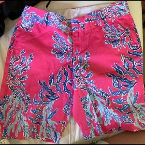 Lilly Pulitzer Coral Cocktail Chipper Short, 6